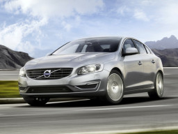 Volvo S60 2.5 T5 Geartronic AWD Summum (2014)